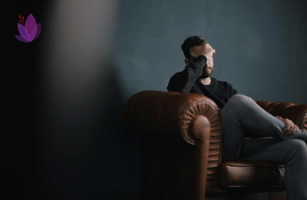 دمنوش زعفران افسردگی و اضطراب شمارا کاهش میدهد