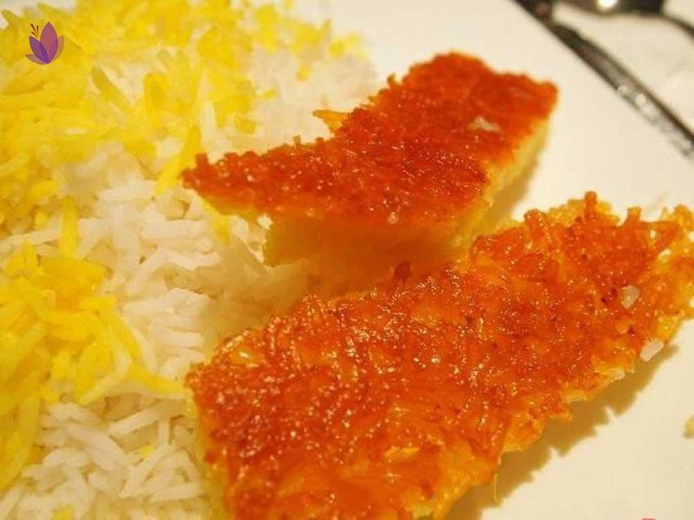 زعفران در غذا با تهدیگ زعفرانی